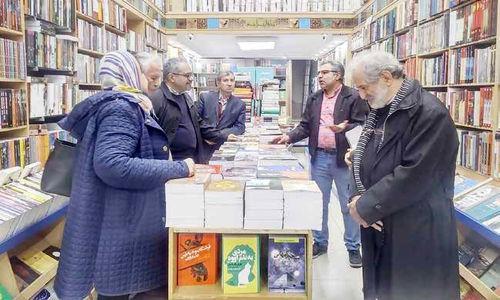 تبدیل کتابفروشیها به پاتوقی فرهنگی