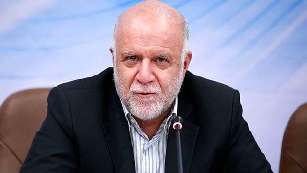 درآمد نفتی ایران بیش از ۱۰۰ میلیارد دلار کاهش یافت