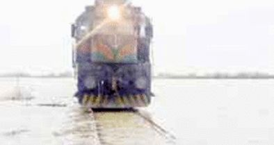 10 کیلومتر از خطوط راه ریلی خوزستان دچار آبگرفتگی است