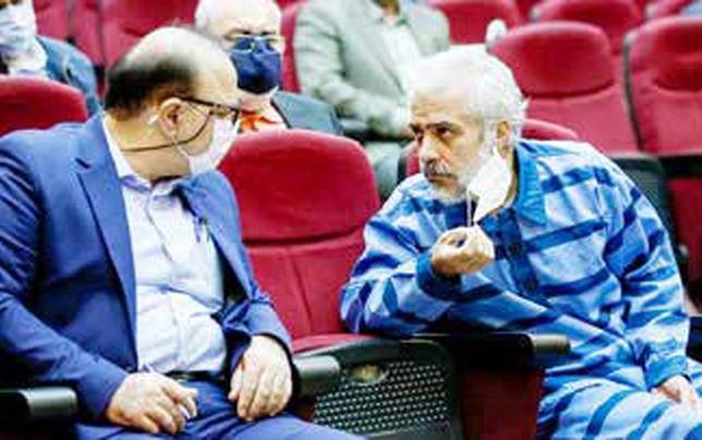 روابط نزدیک رعیت با قاضی منصوری