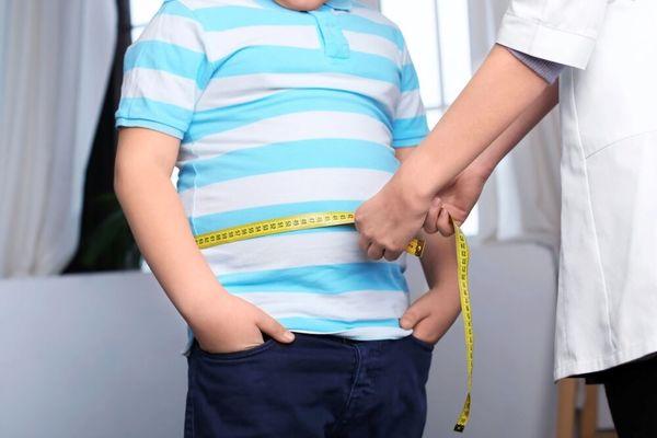 مداخلات آموزشی و تغذیهای برای کاهش وزن دانشآموزان
