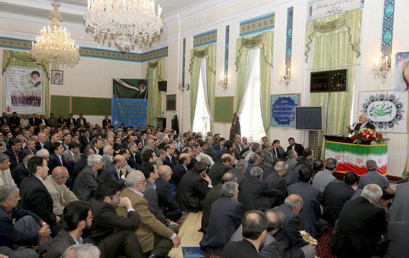 وزارت خارجه غایب بودن در صحنه روابط خارجی را نمیپذیرد