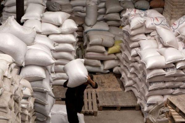 100 تن آرد و 40 تن ورق فولاد قاچاق کشف شد
