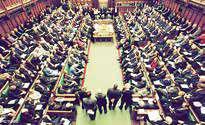 نیمی از اعضای مجلس عوام انگلیس دورکار شدند