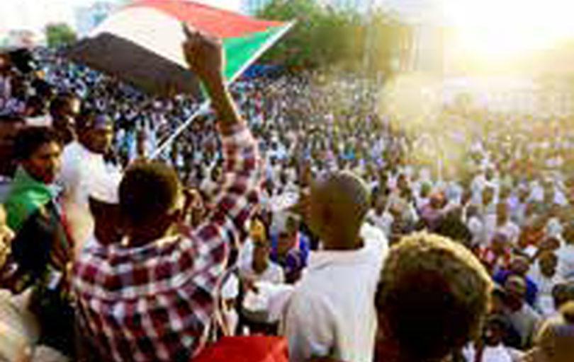 توافق معترضان سودانی با شورای نظامی برسر تقسیم قدرت