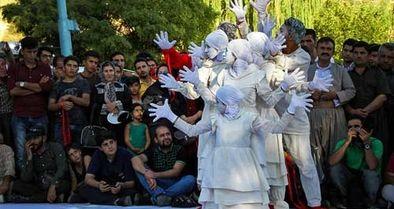 وزیر ارشاد، مخاطب نامه اعتراضی 280 هنرمند تئاتر خیابانی