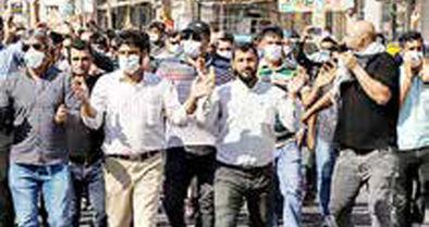 تجمع کارگران هفتتپه مقابل فرمانداری شوش