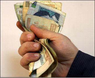 افزایش مزایای غیرمزدی در قیاس با دستمزد  به زیان کارگر است