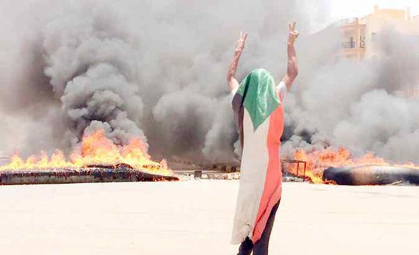 عربستان و امارات پشت پرده کشتار فجیع معترضان