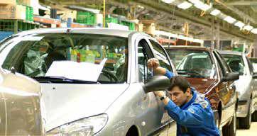 مشکلات خودروسازی، سیاسی است