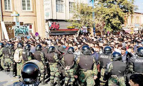 اعتراضهای اخیر جنگ جهانی تمامعیار علیه نظام بود