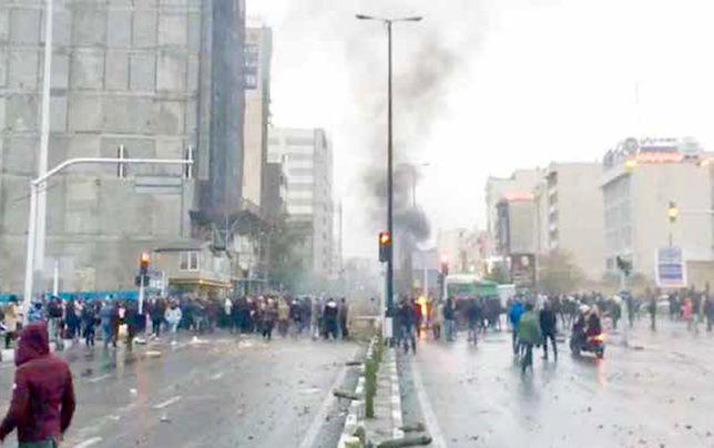 بسترسازی  و تأمین امنیت، مانع موجسواری بر اعتراضات میشود